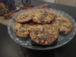 cookies mit haferflocken, schokolade und cranberries