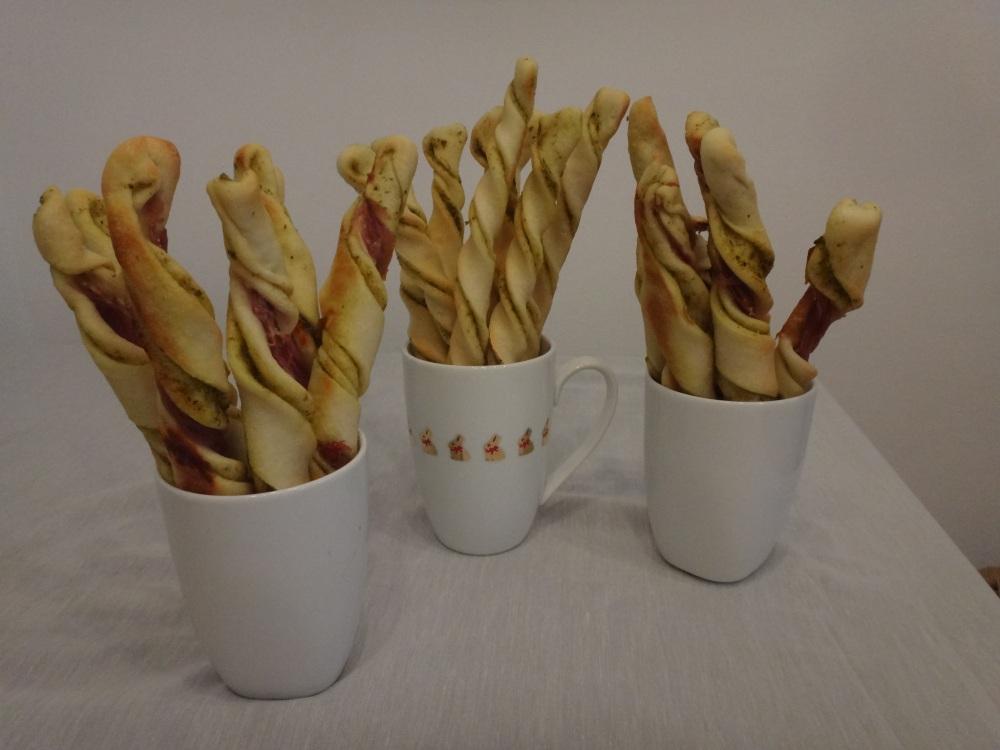 pestostangen mit prosciutto