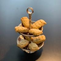 geschenke aus der küche - polenta shortbread mit kräutern