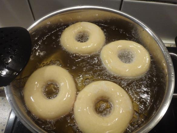 donuts frittieren