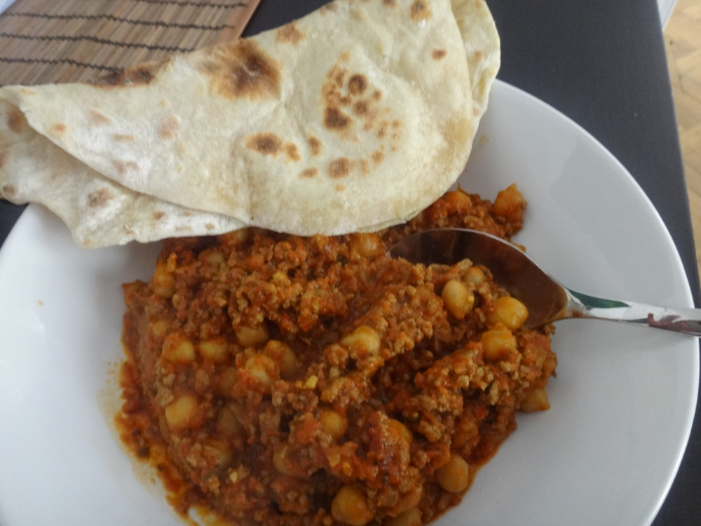 indisches kokos-kichererbsen curry
