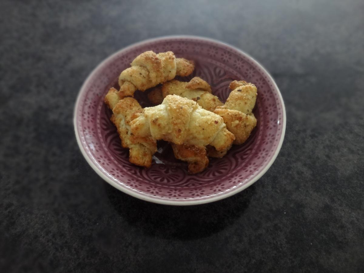"""rezension """"fingerfood schwäbisch gut"""" + nuss-ruggele"""