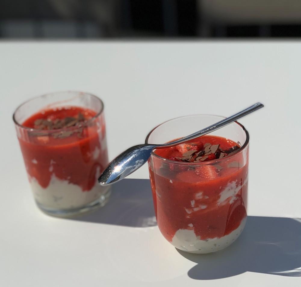 erdbeer stracciatellecreme