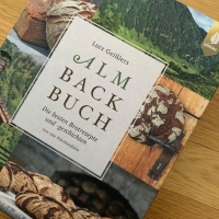 "rezension ""almbackbuch"""